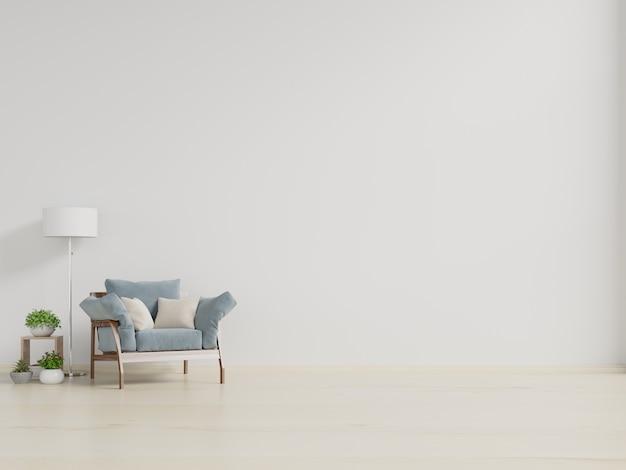 Pusta ściana w pastelowym nowoczesnym wnętrzu z fotelem na białej ścianie.