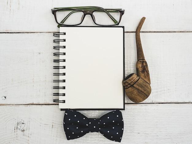 Pusta strona notatnika dla twoich życzeń