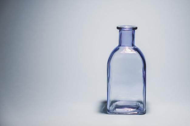 Pusta szklana butelka