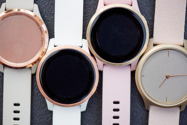 Pusta tarcza zegarka w białym luksusowym pasku dla mody