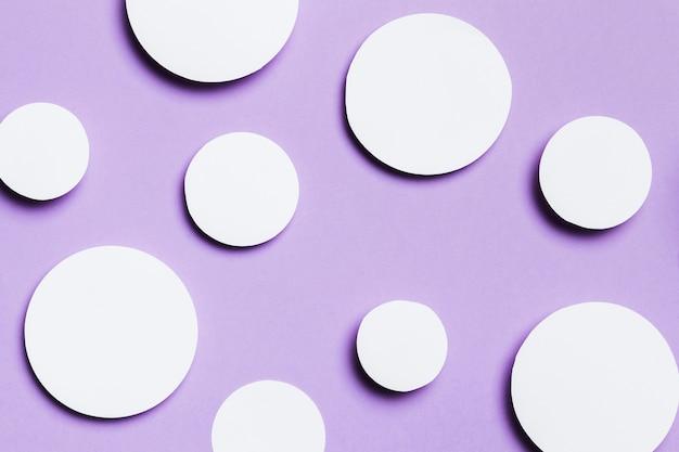 Puste białe kropki z miejsca na kopię