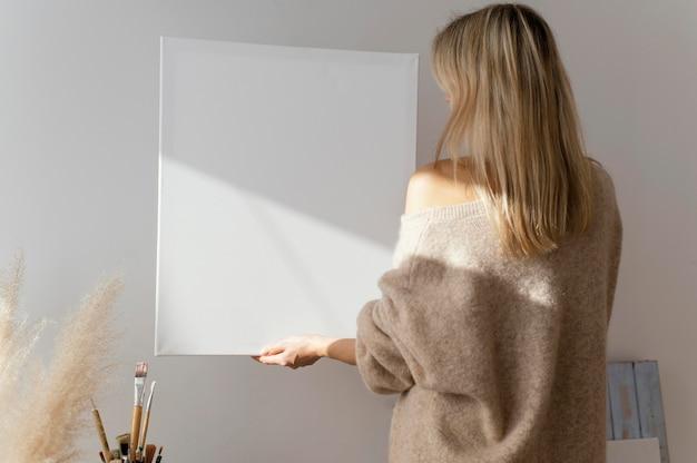 Puste białe płótno do malowania