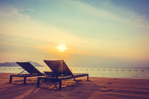 Puste krzesło plażowe