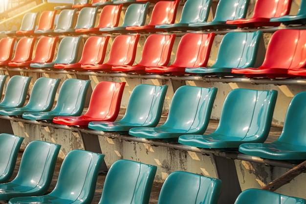 Puste miejsce na stadionie dla fanklubu sportowego