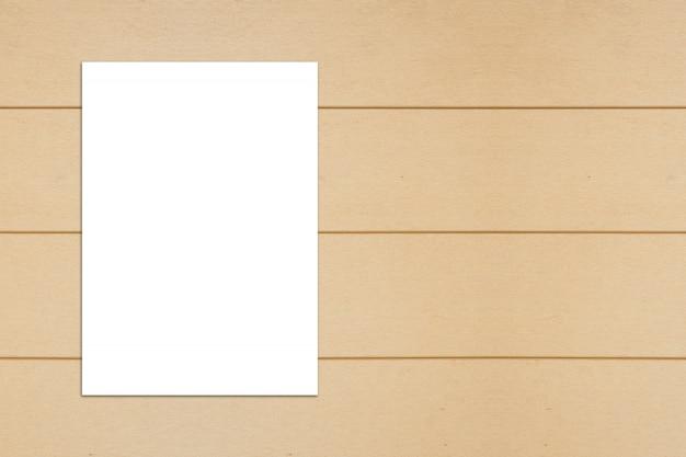Puste papieru na powierzchni drewnianych