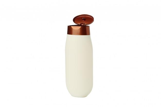 Puste plastikowe butelki szamponu lub płynu na białym tle