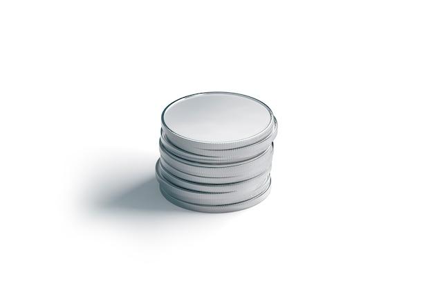 Puste srebrne monety stos, na białym tle, renderowania 3d. pusta kupa pieniędzy argent. wyczyść gotówkę grosza lub euro do zapłaty. kupie bogactwa metali dla kasyna.