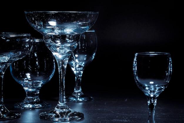 Puste szklanki do napojów