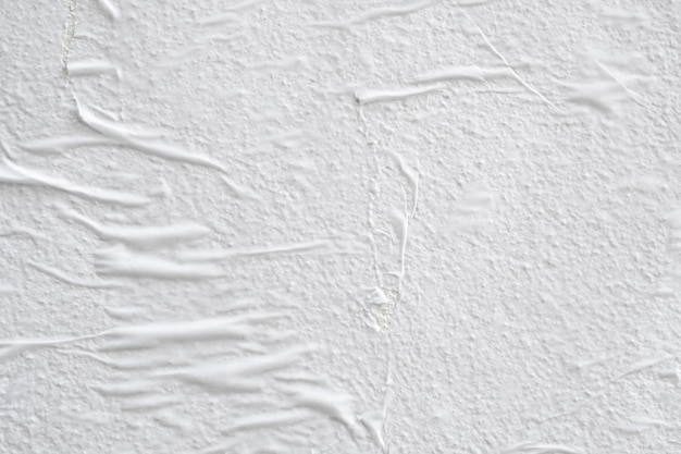 Pusty biały zmięty pognieciony rozdarty papier plakat tekstura tło powierzchni