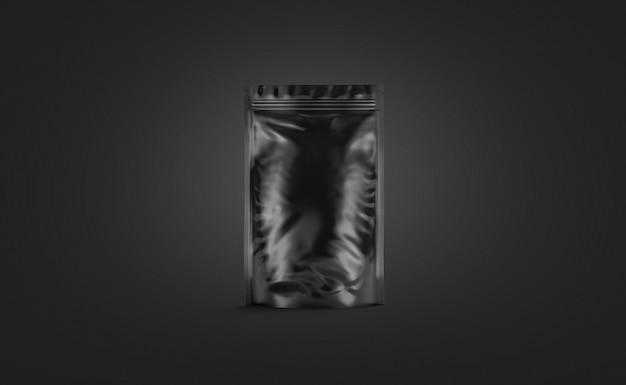 Pusty czarny plastikowy worek stojak na białym tle