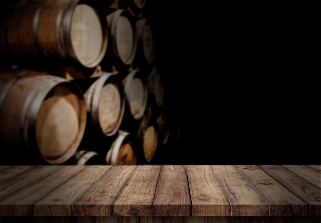 Pusty drewniany blat w winnicy