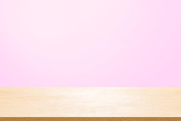 Pusty drewniany pokład stół na miętowym tle tapety dla obecnego produktu.
