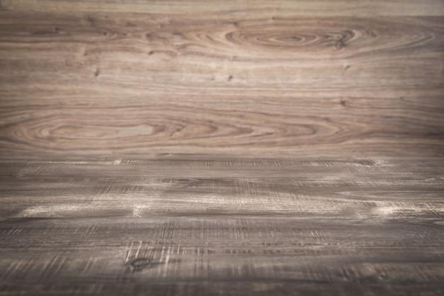 Pusty drewniany stół. gabinet. tło. biznes
