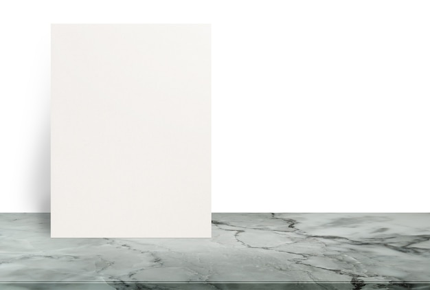 Pusty eco textured papierowego plakat na kamiennym stołowym wierzchołku przy białym tłem, szablonu egzamin próbny up dla dodawać twój projekt.