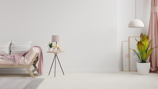 Pusty pokój dzienny z sofą, roślinami i stołem na pustej białej ścianie. renderowania 3d