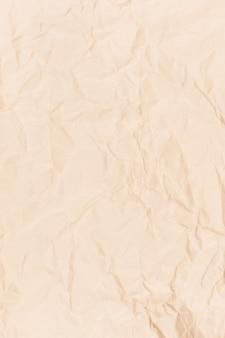 Pusty złożony papier z szorstkim teksturowanym tłem