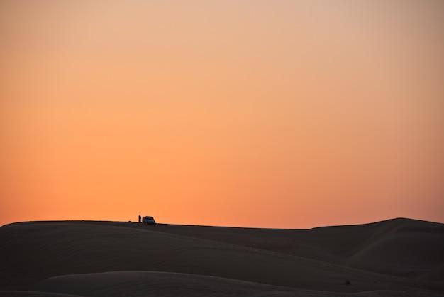 Pustynne wydmy w liwa, zjednoczone emiraty arabskie