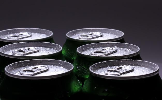 Puszki z zimnym napojem