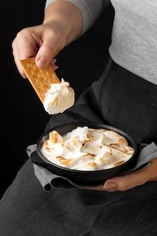 Pyszna aranżacja deserów s'mores