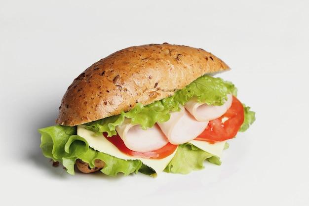 Pyszna kanapka z sałatą