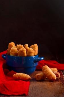 Pyszna kompozycja paluszków serowych wenezuelskich