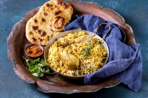 Pyszna kompozycja potraw pakistańskich