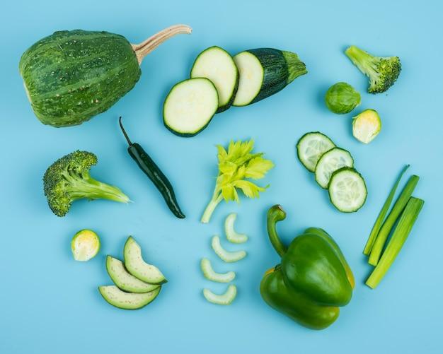 Pyszna kompozycja świeżych warzyw