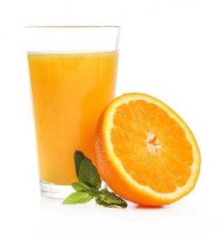 Pyszna szklanka soku pomarańczowego