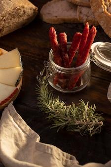 Pyszna, tradycyjna aranżacja chorizo