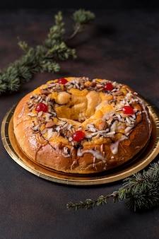 Pyszne ciasto z gałązkami na dzień trzech króli