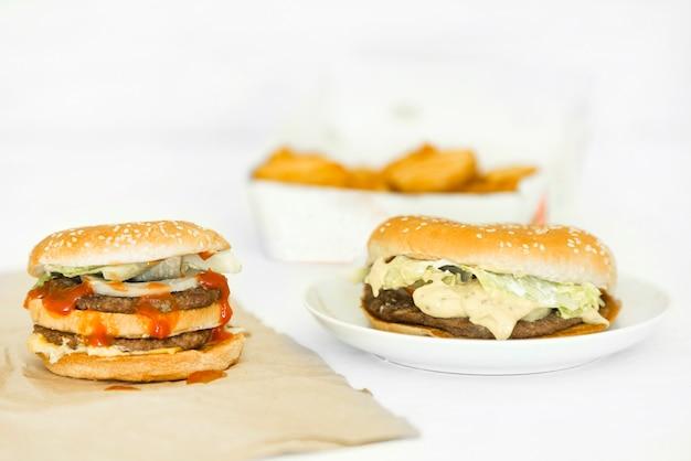 Pyszne hamburgery na grilla dostawa jedzenie