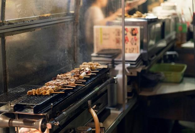 Pyszne japońskie jedzenie z grilla