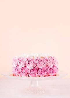 Pyszne różowe ciasto