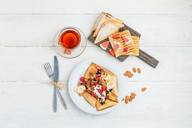 Pyszne śniadanie z owocami