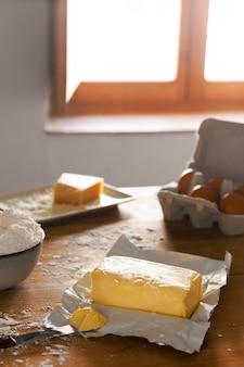 Pyszny asortyment do wyrobu chleba serowego