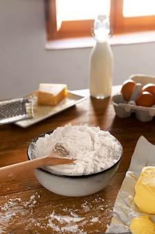 Pyszny asortyment pieczywa serowego