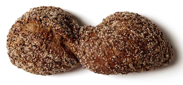 Pyszny chleb na białym tle