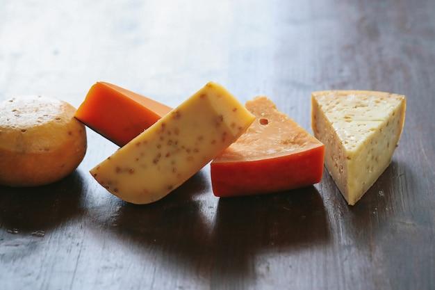 Pyszny ser na stole