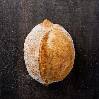 Pyszny smaczny chleb leżał na płasko