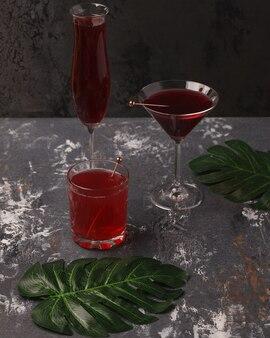 Pyszny soczysty napój owocowy.