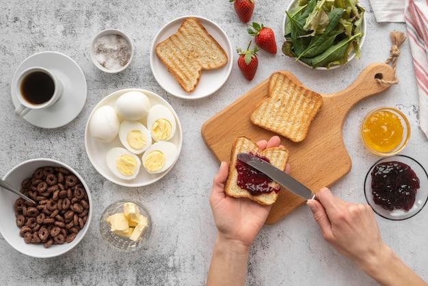 Pyszny wybór dań śniadaniowych