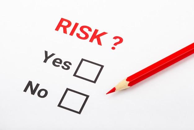 Pytanie o ryzyko na białym papierze.