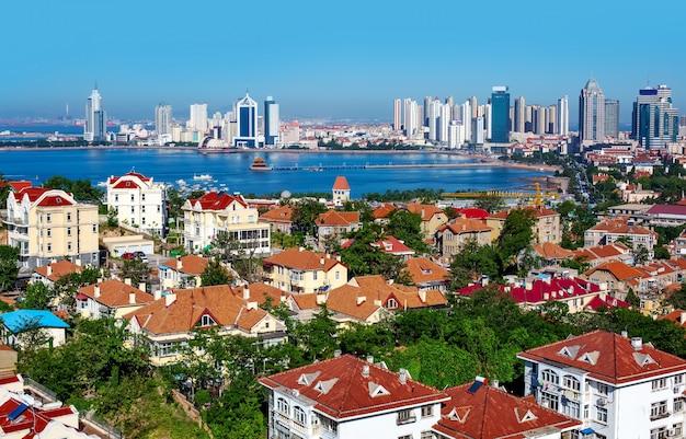 Qingdao, chiny - architektoniczny krajobraz miejski