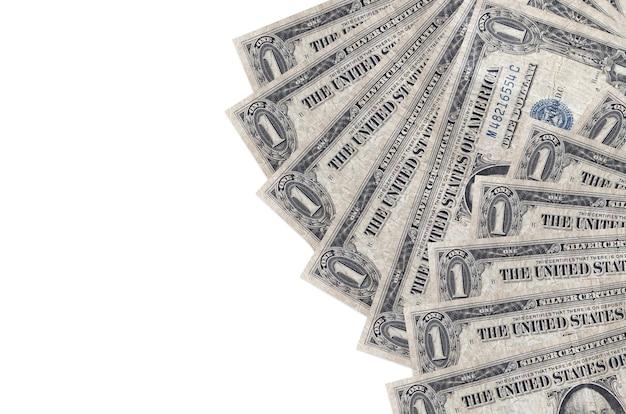 Rachunki dolarowe na białym tle