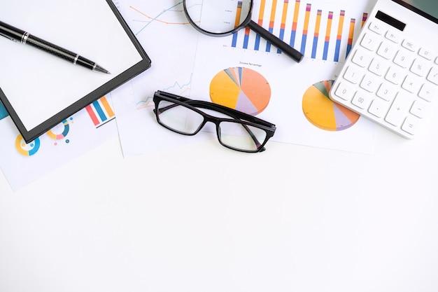 Rachunkowość finansowa biura biurowego obliczenia z miejsca na kopię