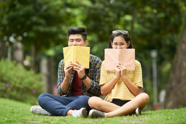 Radośni studenci