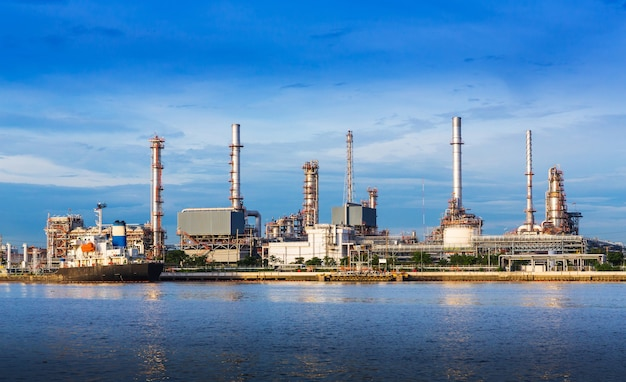 Rafineria ropy naftowej roślina