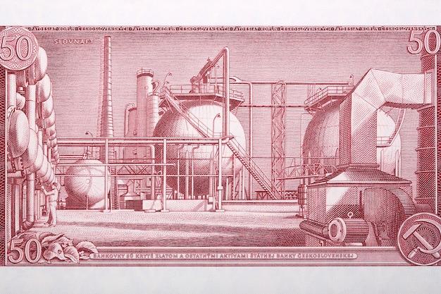 Rafineria w bratysławie ze starych czechosłowackich pieniędzy