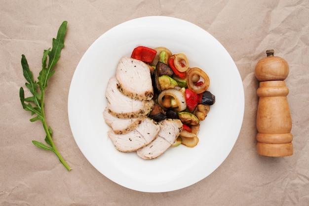 Ragout warzywny z mięsem z kurczaka