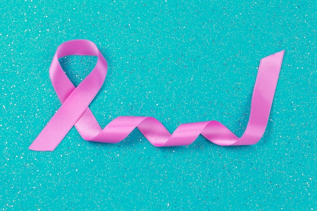 Rak piersi różowa wstążka symbol raka piersi